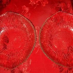 Две купички от стъкло във формата на лимон