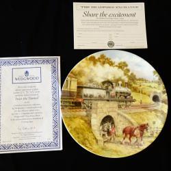 Рисувана чиния английски порцелан, сертификат.