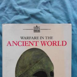 Warfare in the Ancient World - Richard Humble