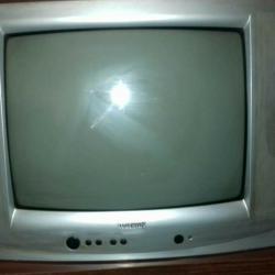 Телевизор- 20 инча
