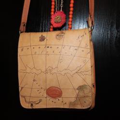 Бежова чанта за през рамо