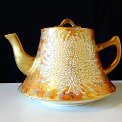 Чайник, кана Satsuma период Meiji, школа Shosan.