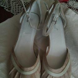 Дамски обувки с токчета
