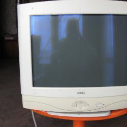 Продавам монитор за компютър с марка  -  Dell, модел  -  ТХ 78682 Usa.