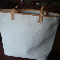 Продавам дамски кожени чанти