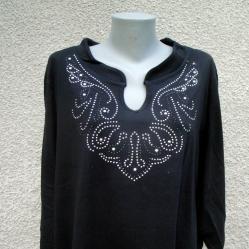 4XL Нова блуза с кристални капси в черно