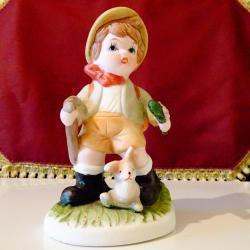 Порцеланова статуетка Дете Скаут