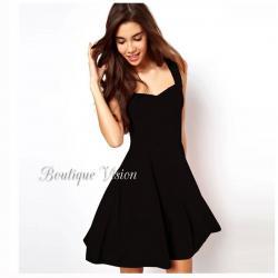 Ново Страхотна елегантна черна рокля, наличен размер С