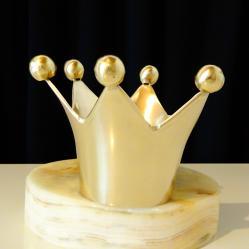 Бронзов свещник корона.