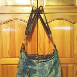 Чанта дамска от дънков плат със кожени мотиви