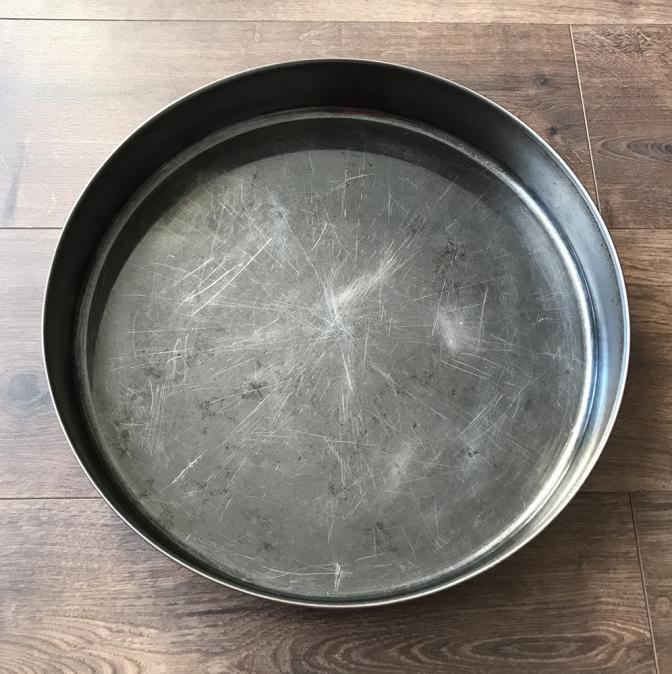 Кръгла метална тава за печене