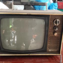 Стар телевизор schaub lorenz