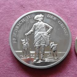 Невероятен немски медал с кайзер Фридрих II