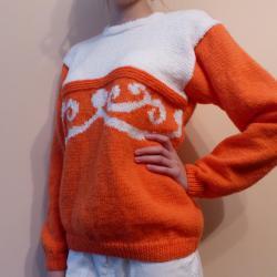 Ръчно плетена оранжева блузка