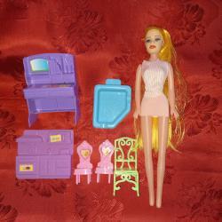 Кукла и мебели
