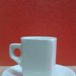 Чаша с чинийка за кафе