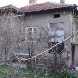 Продава къща в село Подем, плевенско
