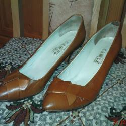 Обувки дамски от естествена кожа в отлично състояние