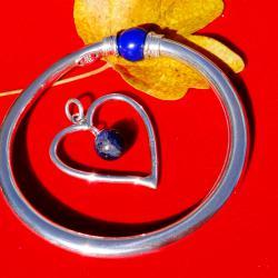 Сребърен медальон с лазурит.