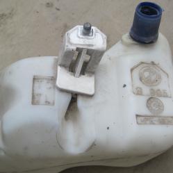 Казанче стъкломиеща течност за Фиат Пунто Fiat Punto