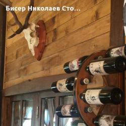 Стойка за вино тип колело от каруца за 8 винени бутилки