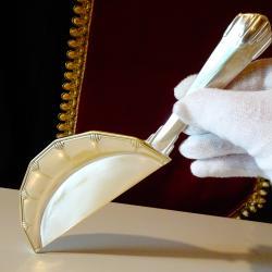 Посребрена лопатка за трохи O. Gallia.