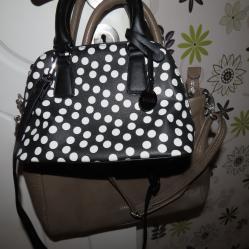 Черна чанта на бели точки