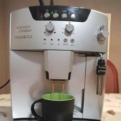 Delonghi Magnifica Black Esam 04. 110 Fully Automatic Espresso Machine