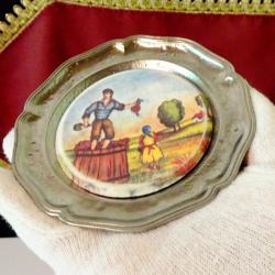 Немска чиния за хапки с картина Винопроизводство.