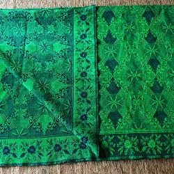 Ръчно тъкан вълнен килим  -  покривало за легло
