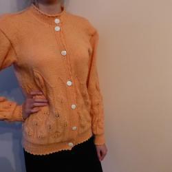 Ръчно плетени пуловери и блузи