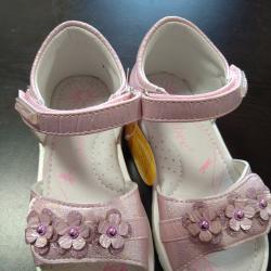 Анатомични розови сандали с цветя с две велкро лепенки