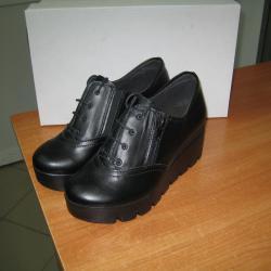 Дамски обувки м. 125 естествена кожа черни