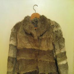 Палто дамско от заешки кожи отлична ръчна изработка... не се скуби