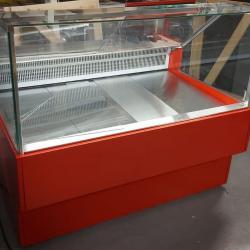 Хладилна витрина - щандова за месо - налична