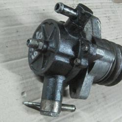 Вакуум помпа x2t50299 Мазда 626 2,0д Mazda 626 2,0d