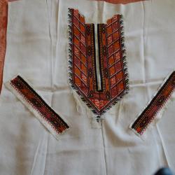 Копринени заготовки за блузи ризи, шевици, конци и книга