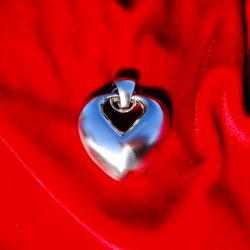 Сребърен медальон сърце.