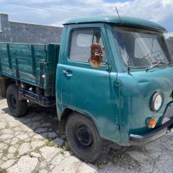 Товарен автомобил УАЗ за селскостопанска работа