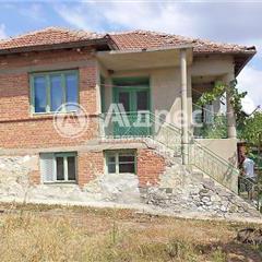 Къща, село Маломир