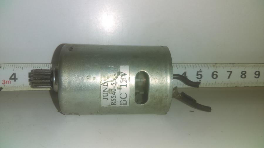 Електромоторче за помпа на предните чистачки