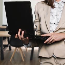Успех в бизнеса с имоти Запишете онлайн курс за брокери и спечелете.