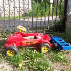 Детска количка с педали и камион за ремонт или части