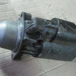 Стартер Bosch B001235010  9002335893 Mercedes 24V