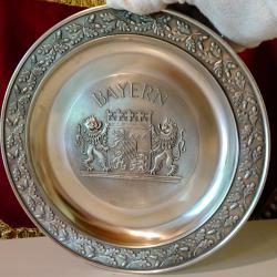 Пано от калай с герб на Bayern 540 гр.