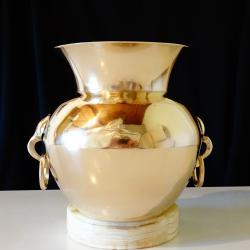 Швейцарска масивна ваза, амфора, никелово сребро.