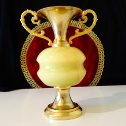 Позлатена ваза, амфора оникс 1 кг.