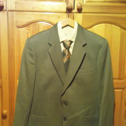 Костюм мъжки от Смокинг състоящ се от сако, панталон, риза и вратовръс
