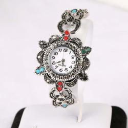 Посребрени часовници с австрийски кристали