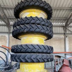 Двойни гуми с джанти - комплект за трактори John Deere